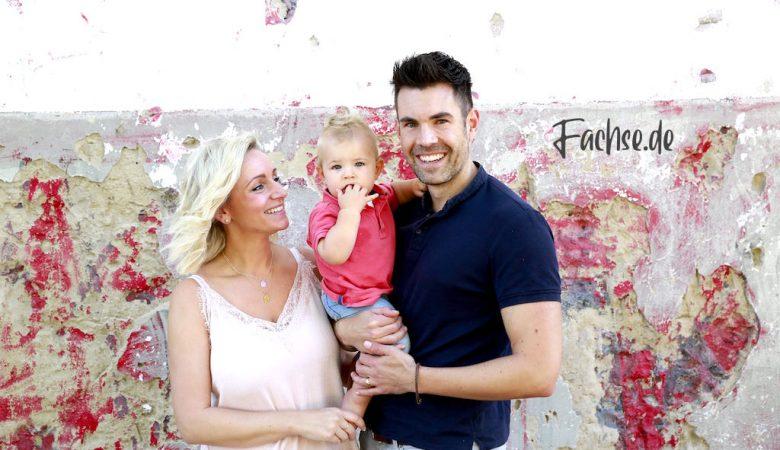 Mann und Frau mit Baby, Familie, Vater Mutter Kind
