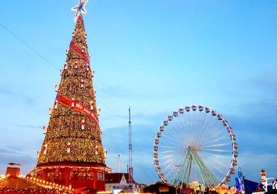 Riesenrad und Weihnachtsbaum Skyline