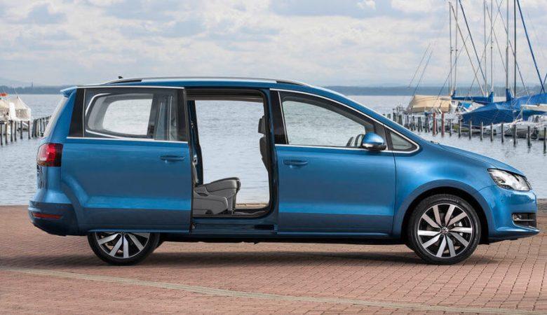 Familienvan VW Sharan mit praktischen Schiebetüren und viel Platz für Kinder