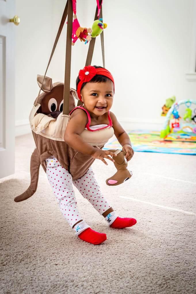 Baby im Türhopser