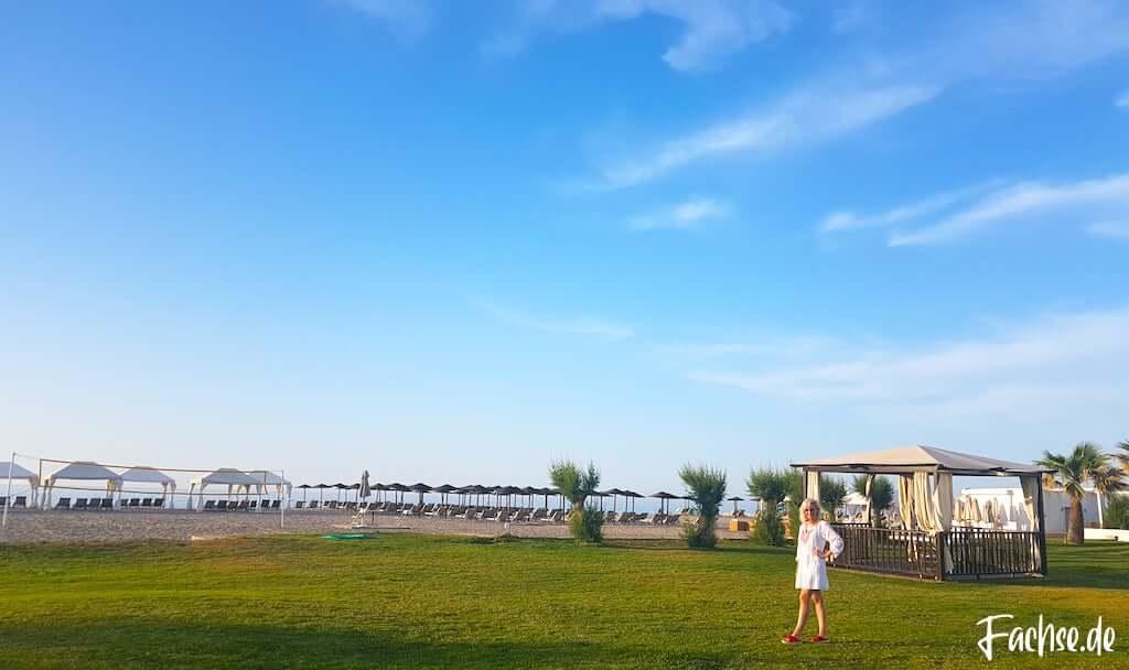 Grecotel Creta Palace Stand Meer Frau Kreta Urlaub