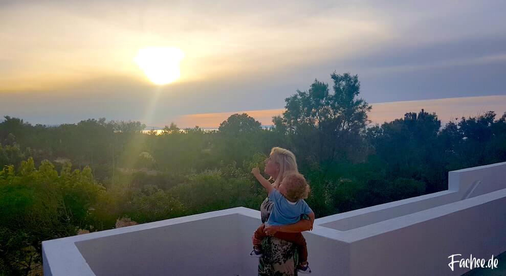 Sonnenuntergang Frau Mutter Kind Kleinkind Kreta Grecotel Creta Palace