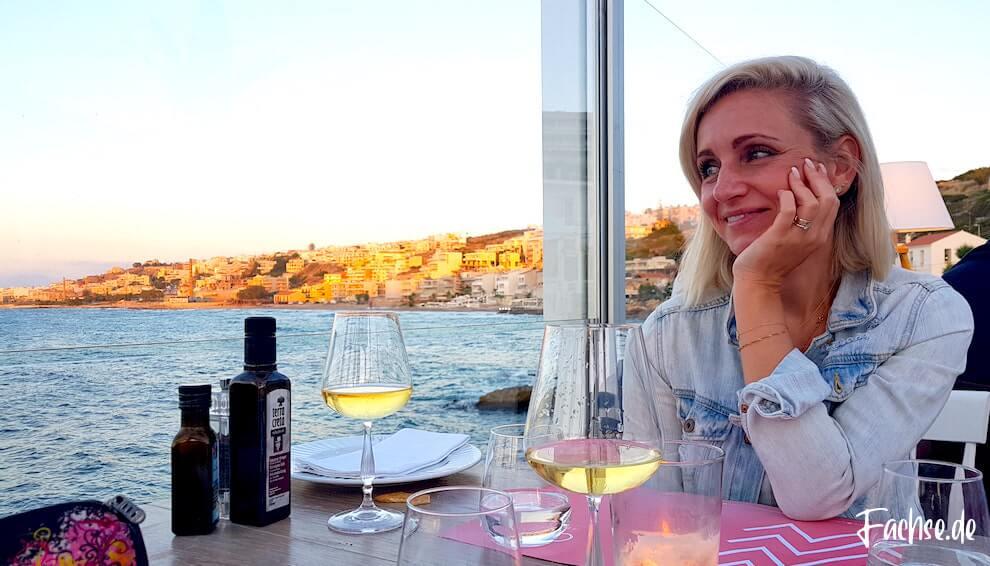 Cavo Kreta Frau Meer Strand Restaurant