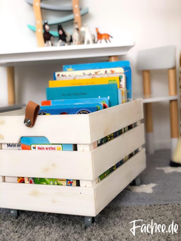 Kinderbuch Junge Kleinkind Bücherkiste DIY Ikea Kiste Giraffe Schleich Östernas